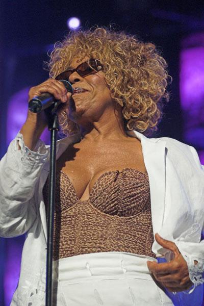 Montreux Jazz Festival >> Dr. Jazz - Roberta Flack - 2005