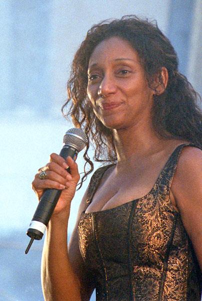 Dr. Jazz - Sister Sledge - 2002: http://www.drjazz.ch/album/SisterSledge.html