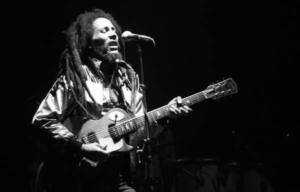 Bob live in 1980